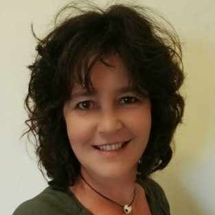 Chantal Bezuidenhout - Social Media Coach